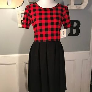 ✨LuLaRoe XL Amelia Buffalo Plaid Red Black Dress